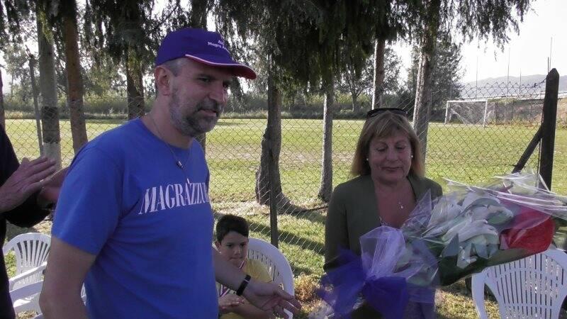 Nella foto il dirigente Saverio Franchini insieme alla signora Gabriela Castagna