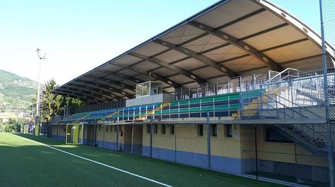 """Il campo sportivo """"Daneri"""" di Caperana."""
