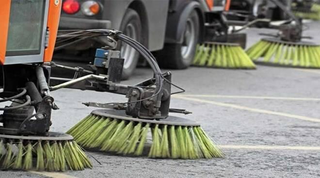 Implementati i servizi di spazzamento e pulizia delle strade.