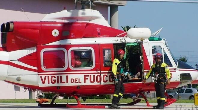 L'elicottero Drago dei Vigili del Fuoco.