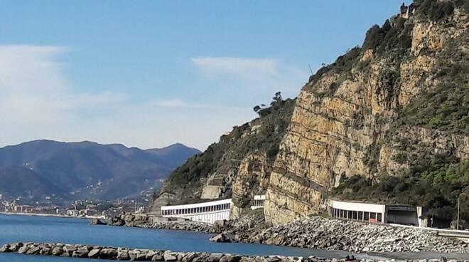 Le gallerie di Sant'Anna tra Sestri Levante e Cavi.