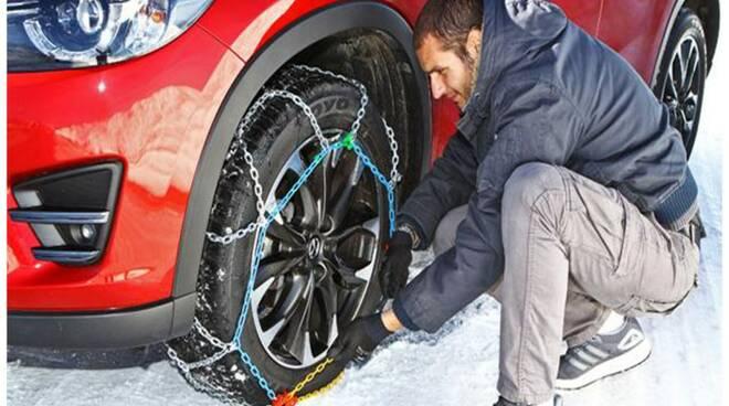 Catene da neve per auto.