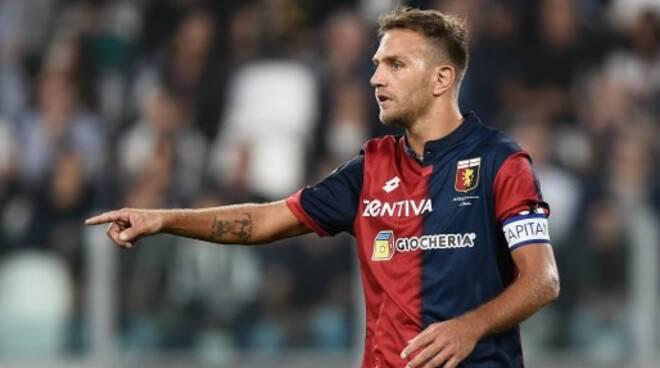 Domenico Criscito difensore e capitano del Genoa.