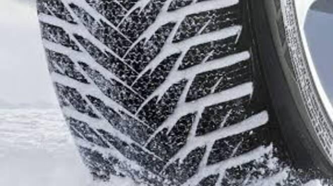 Gomme da neve obbligatorie in Liguria dal 15 Novembre al 15 Aprile.