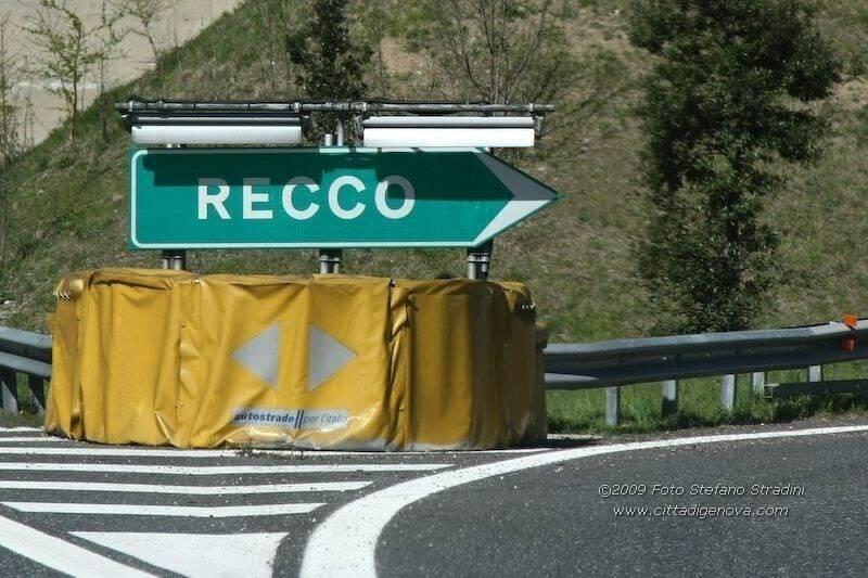 Casello autostradale di Recco.