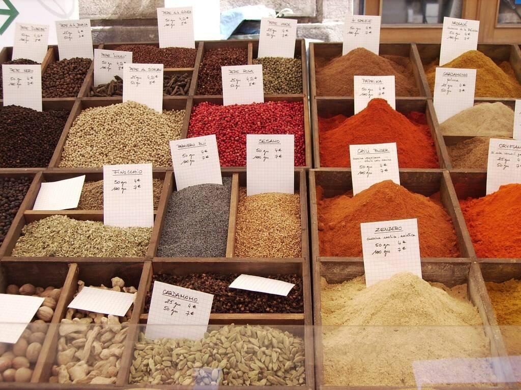 Il mercatino dei sapori e delle tradizioni di Chiavari.