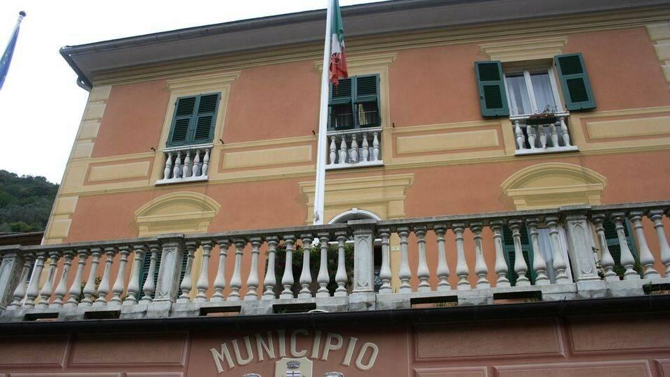 Il municipio di Avegno.