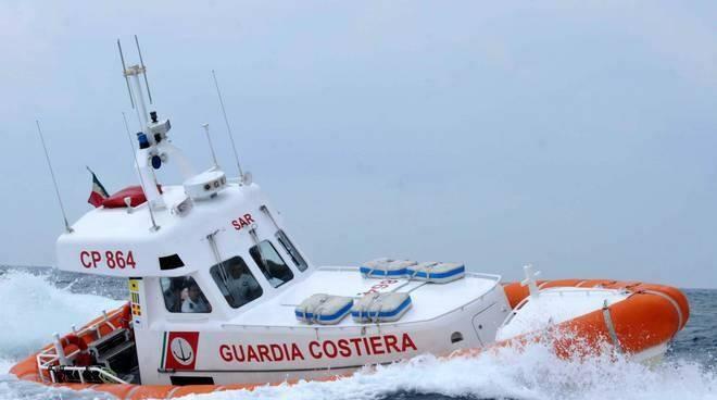 La Guardia Costiera in azione.
