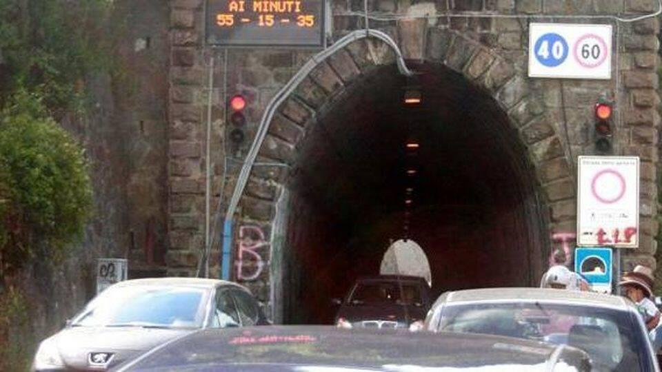 Strada delle gallerie tra Moneglia e Deiva Marina.
