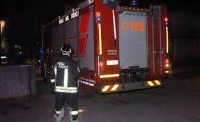 Vigili del Fuoco in azione durante un soccorso.