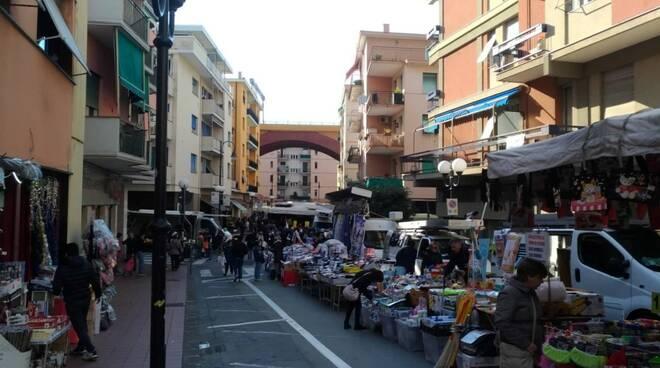 Il mercato settimanale di Recco.