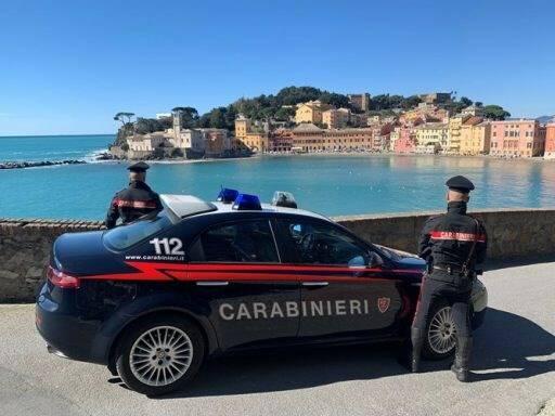 Carabinieri in azione a Sestri Levante.