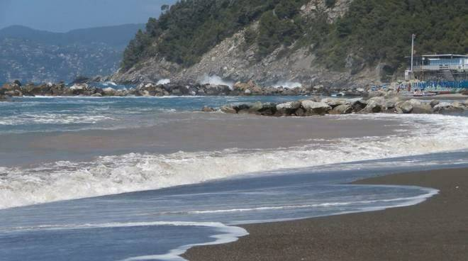 Una spiaggia a Chiavari.