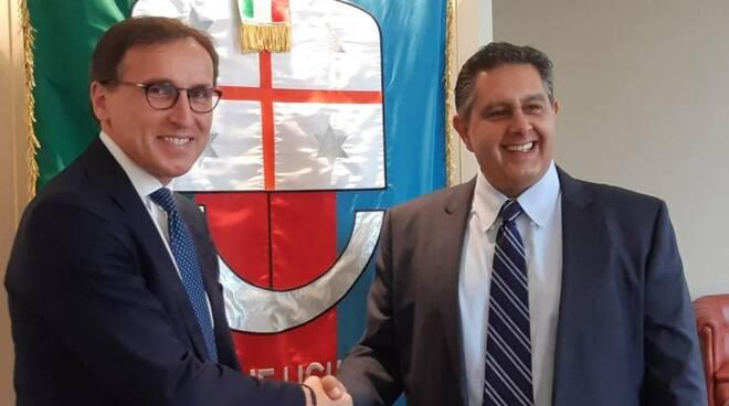 Il ministro Boccia con il presidente di Regione Liguria Toti.