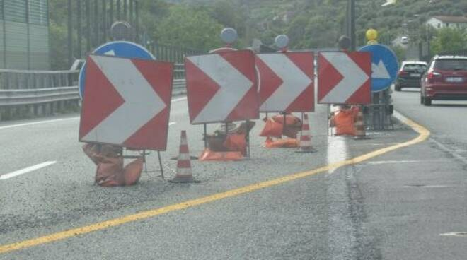Cambio di carreggiata sull'autostrada A12.