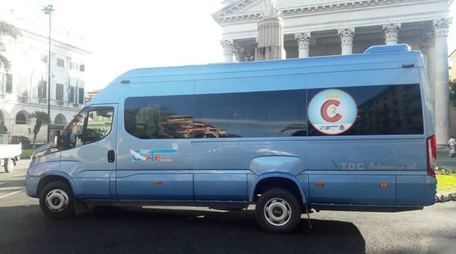 Il bus C2 di Atp in servizio a Chiavari.