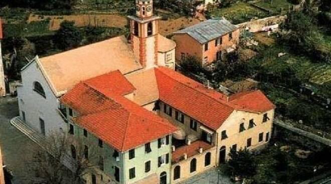 Il santuario della Madonna del Boschetto a Camogli.