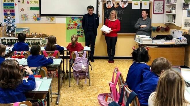 Il sindaco di Rapallo Bagnasco a scuola.