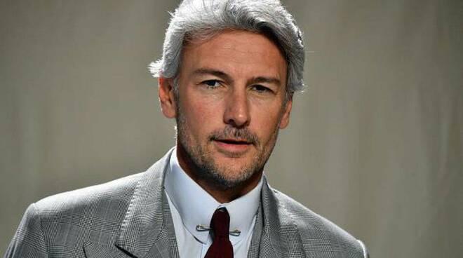L'attore Roberto Farnesi.