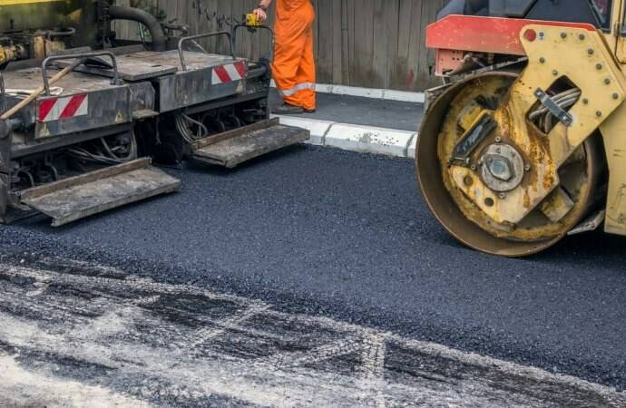 asfalto sulla strada