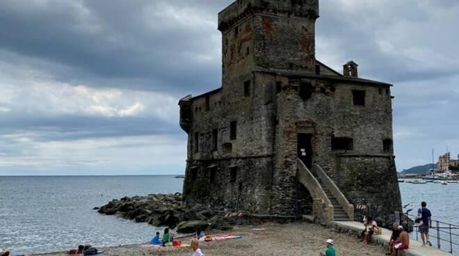 Spiaggia del castello a Rapallo