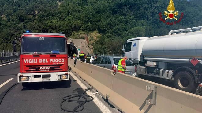 a12, incidente, auto, camion