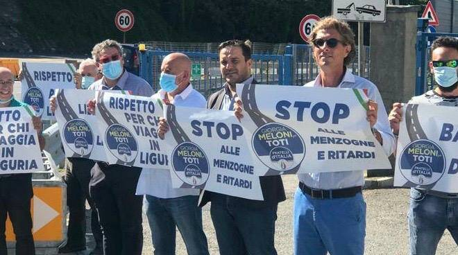 Catena umana Fratelli d'Italia