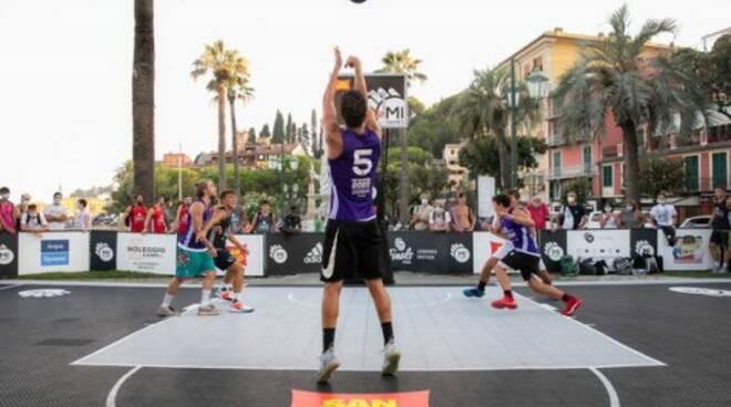 Incontro di basket al MiGames di Santa Margherita Ligure.