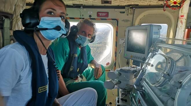 medico, elisoccorso, vigili del fuoco