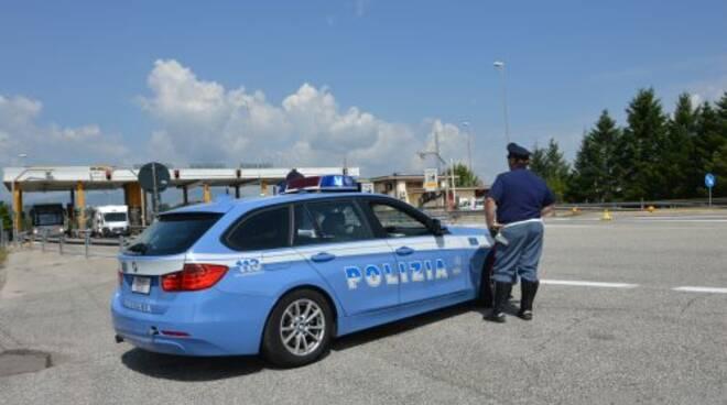Polizia autostradale in azione.