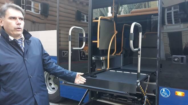 """""""Prendo il Bus"""", il bus per disabili messo in servizio da Atp."""