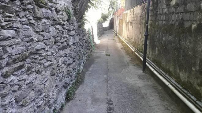 Una via di Rapallo ripulita da Aprica