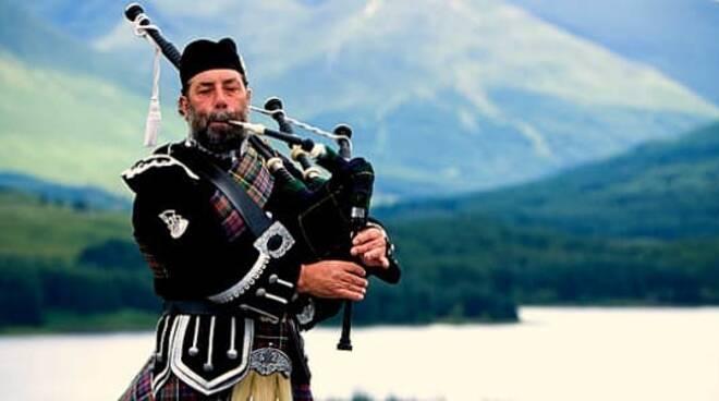Concerto di cornamusa tradizionale scozzese all'Anfiteatro Bindi.
