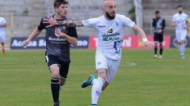 L'attaccante classe '90 Giacomo Canalini.