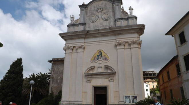 La chiesa della Santissima Concezione di Cavi di Lavagna.
