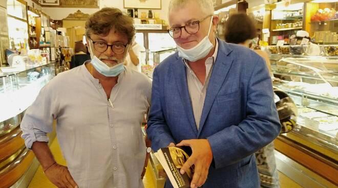 Presentazione del libro di Veneziani al Gran Caffè Defilla.
