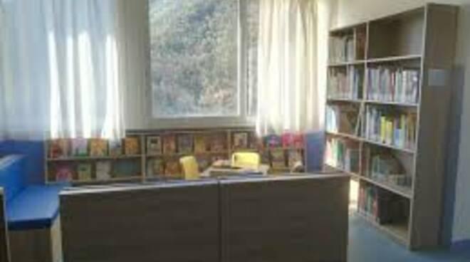 "Biblioteca civica ""Edmondo De Amicis"" ad Avegno."