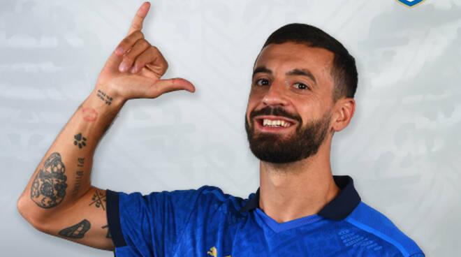 """Francesco """"Ciccio"""" Caputo con la maglia della Nazionale Italiana di calcio."""