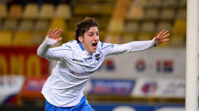 Leonardo Morosini con la maglia del Brescia.