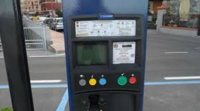 parcheggio, tariffe, parcometro (ph pro loco recco)