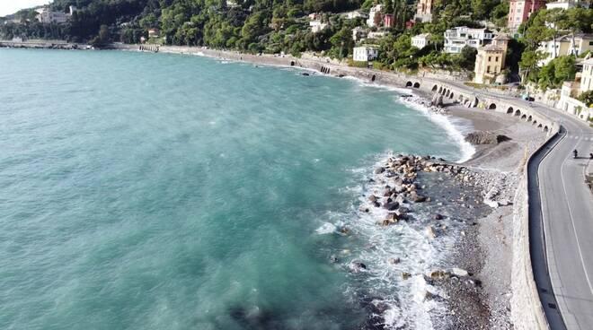Rinforzo della strada a Santa Margherita Ligure dopo la mareggiata del 2018.