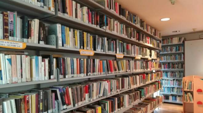 biblioteca, libri, recco