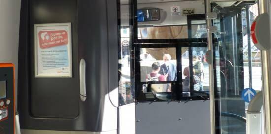 bus, autobus, mezzo pubblico
