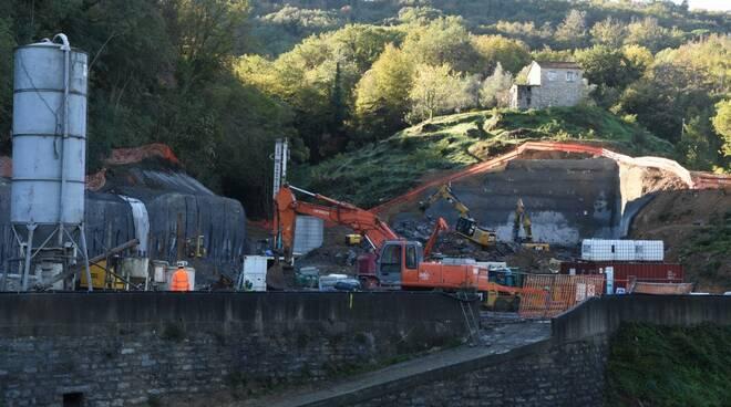 Il cantiere per la costruzione del depuratore in località Ronco a Rapallo.
