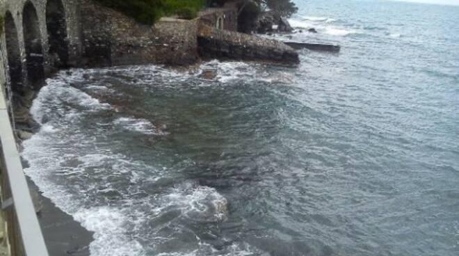 """La """"Spiaggetta degli Archi"""" a Rapallo."""