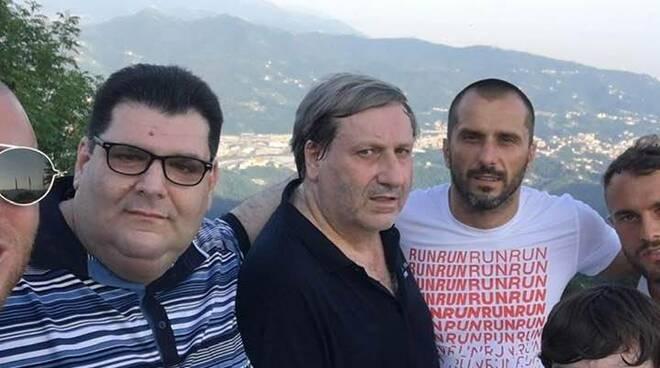 Maurizio Verrini, al centro della foto, presidente del Rapallo Rivarolese.