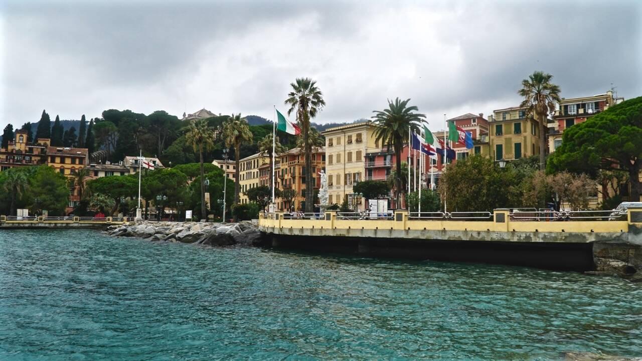 Nella foto si vede la foce del torrente San Siro: il ramo sinistro è quello dal centro verso destra