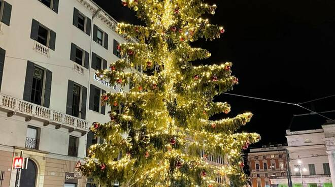 albero di natale a Genova (credits Genovamorethanthis)