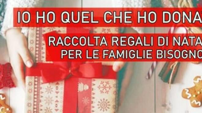 Raccolta giocattoli e scuola di Fratelli d'Italia a Rapallo.