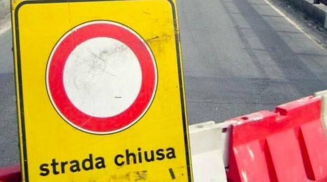 strada chiusa, percorso, transito